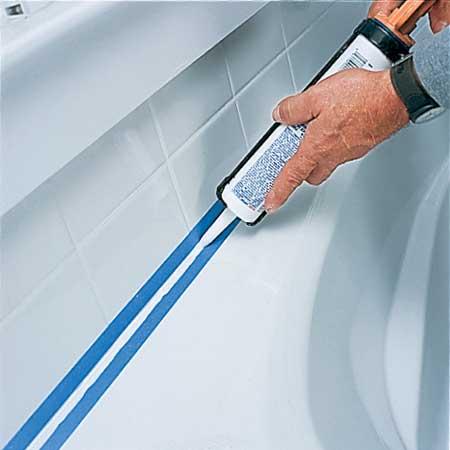 При заполнении стальной ванны водой образуется зазор между ванной и плиткой!!!