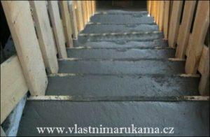 betonování schodů